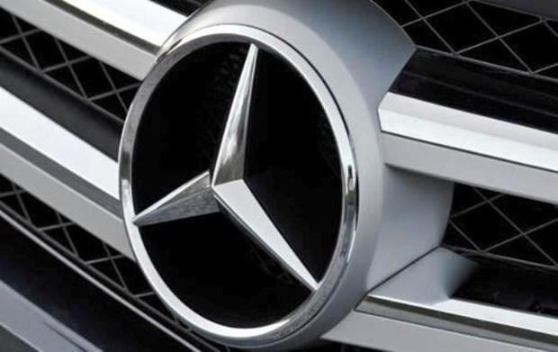 Mercedes-Benz Vietnam llama a revision de casi siete mil autos de lujo hinh anh 1