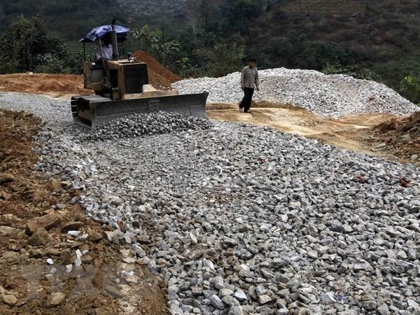Vicepremier vietnamita insta a acelerar proyectos con uso de prestamos extranjeros hinh anh 1