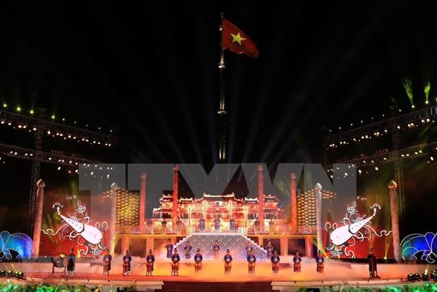Festival Hue 2018 atrae a un millon 200 mil concurrentes hinh anh 1