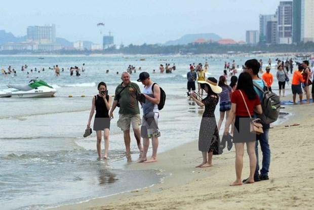 Vietnam registra alto crecimiento en llegada de turistas durante dias feriados hinh anh 1