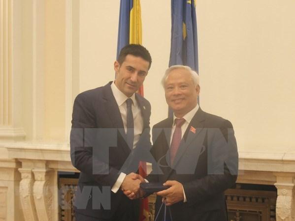 Vietnam a favor de impulsar nexos multifaceticos con Rumania hinh anh 1
