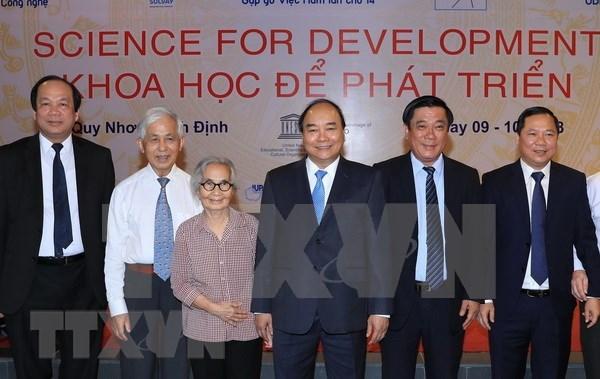 Premier vietnamita destaca la aplicacion de avances cientificos en desarrollo nacional hinh anh 1