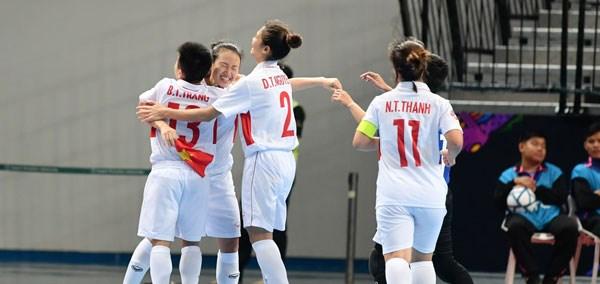 Vietnam clasifica a los cuartos de final del campeonato asiatico de futsal hinh anh 1