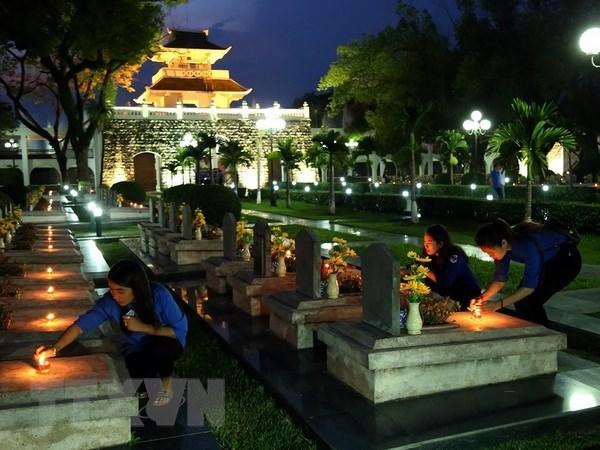 Jovenes vietnamitas recuerdan victoria de la batalla de Dien Bien Phu hinh anh 1