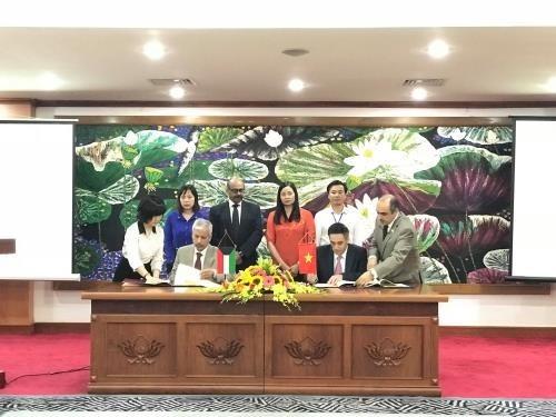 Fondo Kuwaiti asiste a localidades necesitadas de Vietnam hinh anh 1