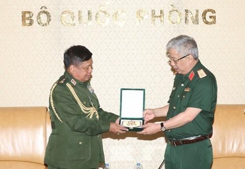 Vietnam concede importancia a cooperacion con Myanmar en el sector de defensa hinh anh 1