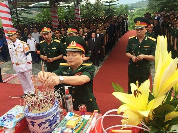 Recuerdan a combatientes vietnamitas caidos en Laos hinh anh 1