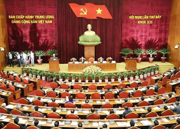 Temas cruciales en el VII pleno del Partido Comunista copan atencion en Vietnam hinh anh 1