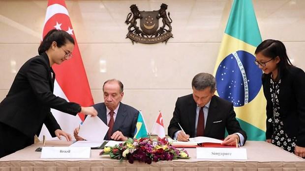 Brasil y Singapur firman acuerdo de doble tributacion hinh anh 1