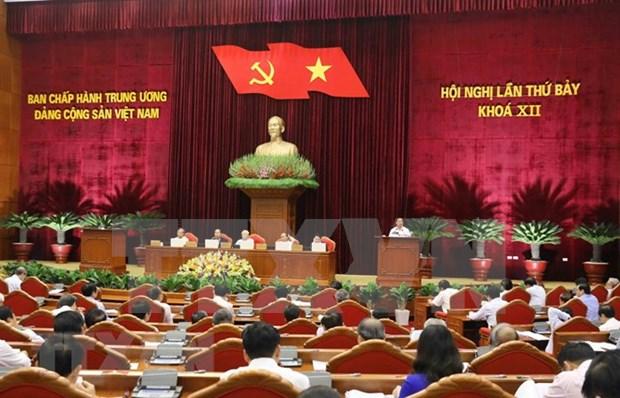 Comite Central del Partido Comunista de Vietnam prosigue analisis de labores de los cuadros hinh anh 1