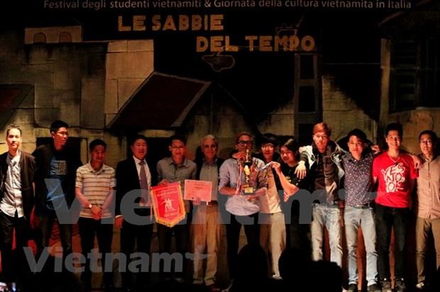 Estudiantes promueven relaciones Vietnam-Italia hinh anh 1