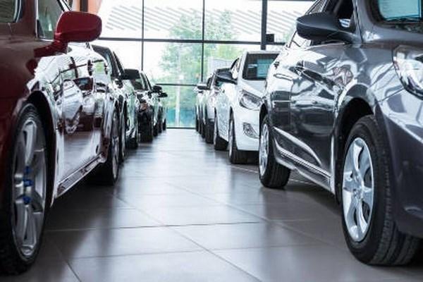 Disminuye cantidad de autos importados en Vietnam hinh anh 1