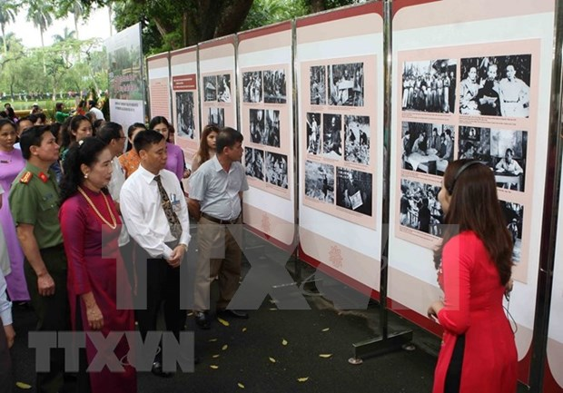 Exposicion de mil publicaciones resalta vida del Presidente Ho Chi Minh hinh anh 1
