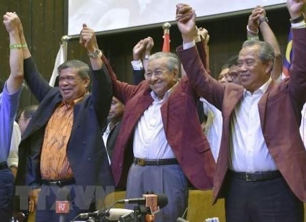 Dirigentes mundiales felicitan al primer ministro electo de Malasia hinh anh 1