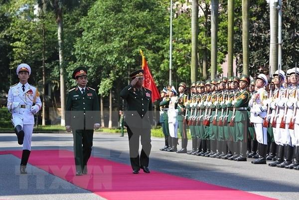 Ejercitos de Vietnam y de Laos fomentan cooperacion hinh anh 1