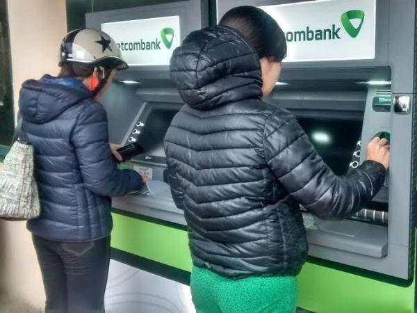 Millones de tarjetas bancarias quedan sin usar en Vietnam hinh anh 1
