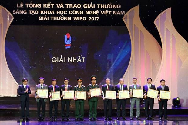 Entregan premio de Innovacion cientifico-tecnologica en Vietnam hinh anh 1
