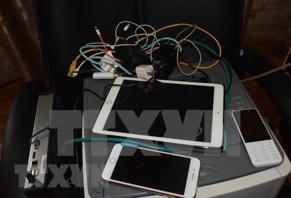 Desmantelan red de apuesta ilegal por internet en provincia vietnamita hinh anh 1