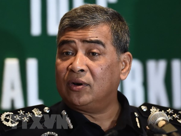 Malasia prohibe al expremier Najib Razak abandonar el pais hinh anh 1