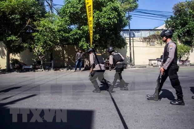 Indonesia detiene a sospechosos vinculados con atentados suicidas en Surabaya hinh anh 1