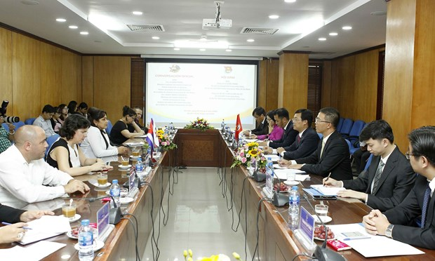 Jovenes comunistas de Vietnam y Cuba buscan agilizar la cooperacion bilateral hinh anh 1