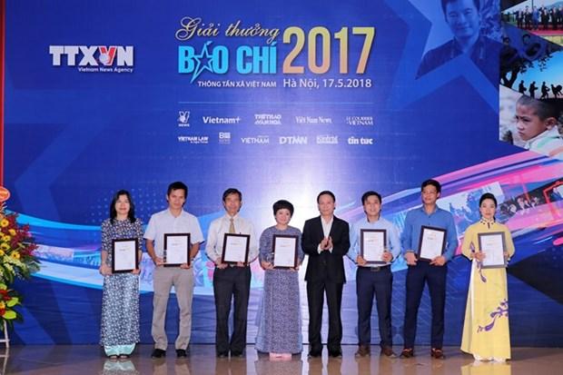 Premios de prensa de la VNA destacan creatividad de periodistas en era digital hinh anh 1