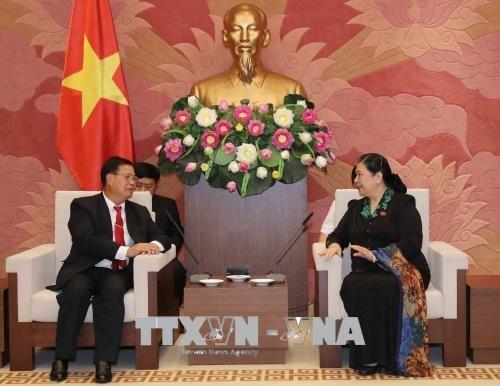 Vietnam listo para compartir experiencia en legislacion con Laos hinh anh 1