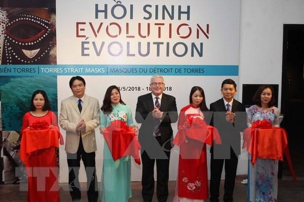 Inauguran en Vietnam exposicion de Mascaras del Estrecho de Torres hinh anh 1