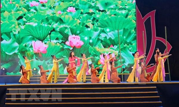 Concluye festival dedicado al Presidente Ho Chi Minh en su tierra natal hinh anh 1