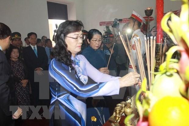 Rinden homenaje al Presidente Ho Chi Minh en ocasion del 128 aniversario de su natalicio hinh anh 1