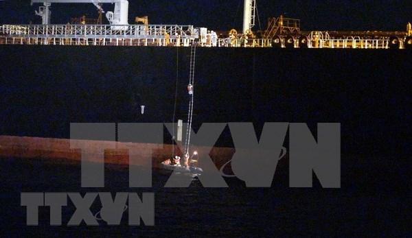 Rescatan a un barco extranjero en el mar vietnamita hinh anh 1