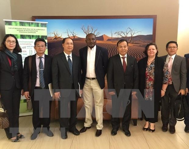 Vietnam y Namibia acuerdan intensificar intercambios comerciales hinh anh 1