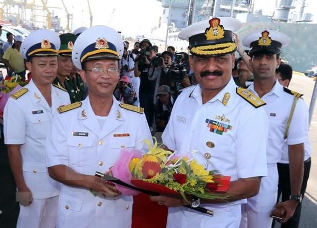 Buques de Fuerza Naval de India visitan Vietnam hinh anh 1