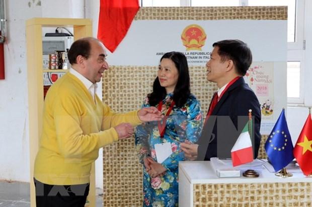 Vietnam promueve exportacion de cafe a Italia hinh anh 1
