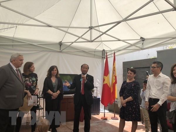 Vietnamitas en el extranjero recuerdan natalicio del Presidente Ho Chi Minh hinh anh 1
