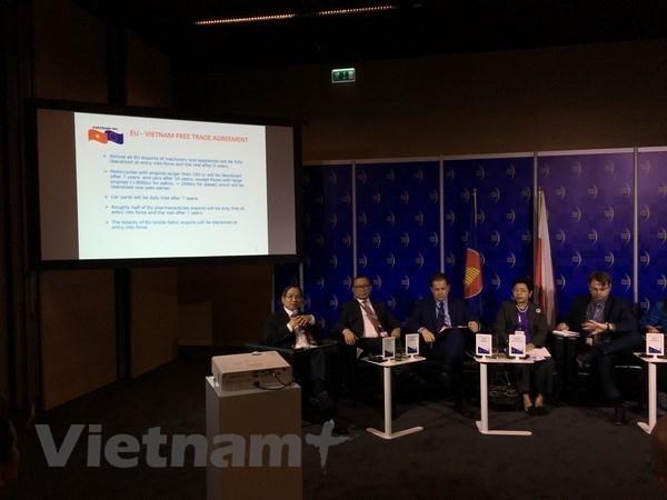 Polonia prioriza intercambio comercial con Vietnam hinh anh 1