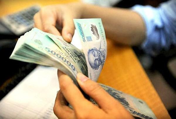 Incrementan salario basico de empleados publicos y oficiales de Vietnam hinh anh 1