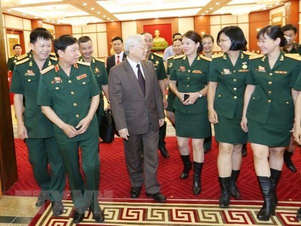 Maximo dirigente politico de Vietnam dialoga con sindicalistas del Ejercito hinh anh 1