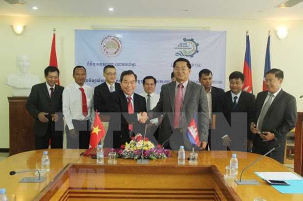 Vietnam y Camboya impulsan cooperacion en educacion hinh anh 1