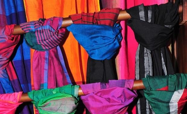 Presentan en Hanoi arte textil tradicional de Sri Lanka hinh anh 1