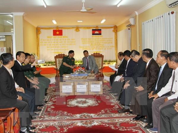 Vietnam asiste al desarrollo de Camboya hinh anh 1