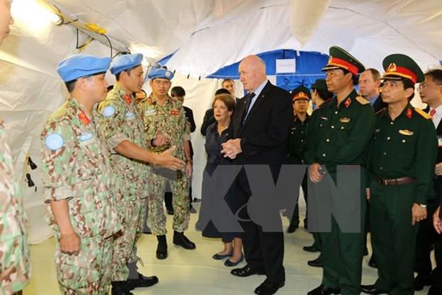 Gobernador General visita hospital de campana de Vietnam hinh anh 1