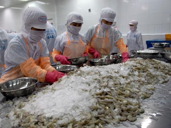 Bajan exportaciones de mariscos de Vietnam al mercado europeo hinh anh 1