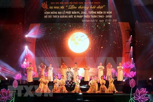 Celebran programa musical en Ciudad Ho Chi Minh por Dia de Vesak 2562 hinh anh 1