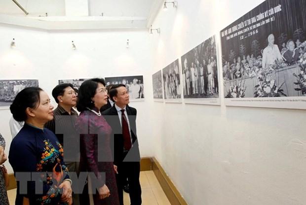 Inauguran exposicion fotografica sobre movimiento de emulacion patriotica hinh anh 2