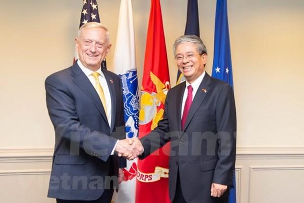 Estados Unidos desea reforzar nexos con Vietnam, reitera secretario de Defensa hinh anh 1