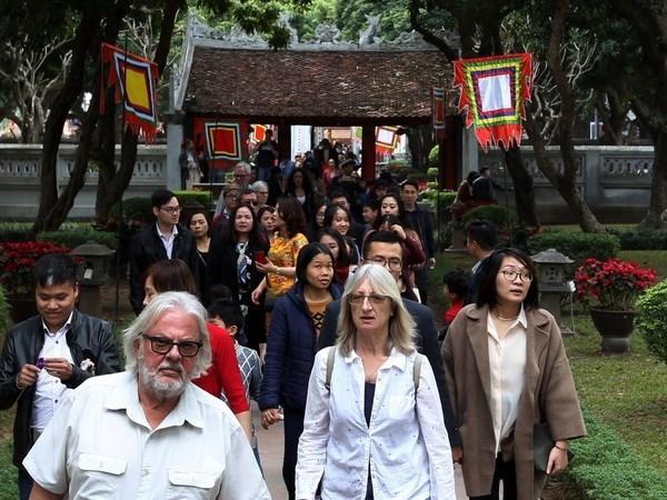 Hanoi preve recibir a mas de tres millones de turistas extranjeros en primer semestre hinh anh 1