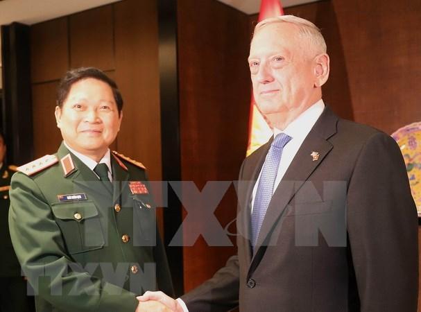Dialogo de seguridad de Asia: Vietnam y EE.UU fortalecen cooperacion hinh anh 1