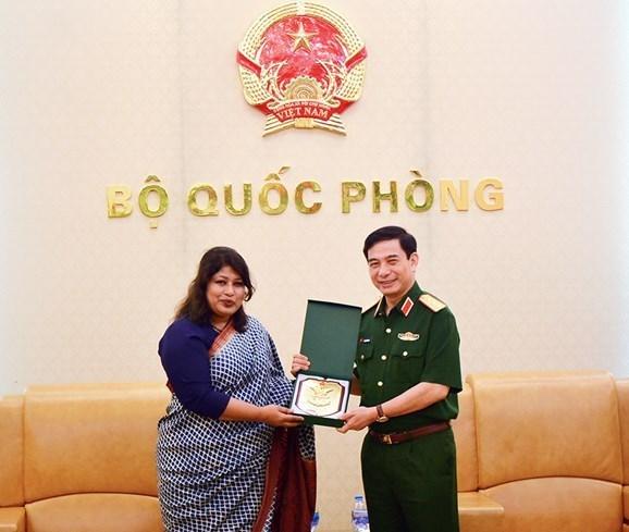 Vietnam y Bangladesh fortalecen la cooperacion en defensa hinh anh 1