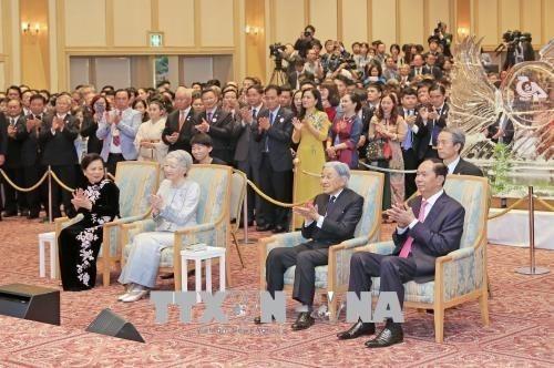 Vietnam y Japon celebran en Tokio aniversario de sus nexos de amistad hinh anh 1